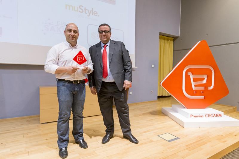 Premio.'Tienda online con Mejor experiencia en dispositivos móviles' 'Cuidadicos'. Francisco J. Ayala